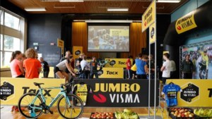 Team Jumbo-Visma Academy met wielerclinic op Sophianum Gulpen