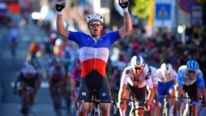 Démare sprint met speels gemak naar tweede ritzege in Giro