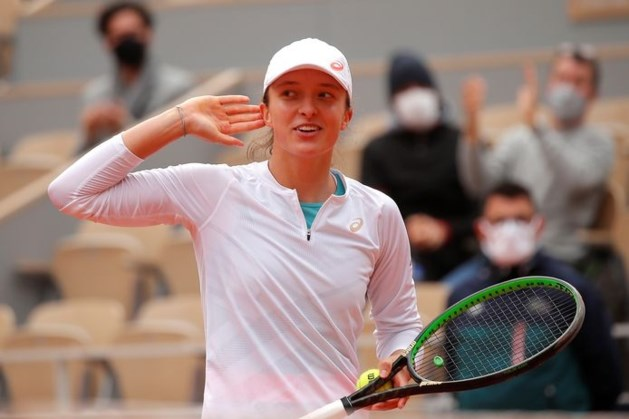 Ongeplaatste Swiatek (19) eerste finaliste op Roland Garros