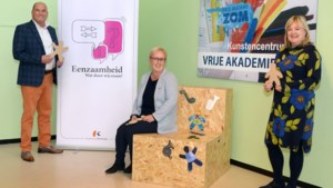 Workshops praatstoelen versieren in HuB Kerkrade