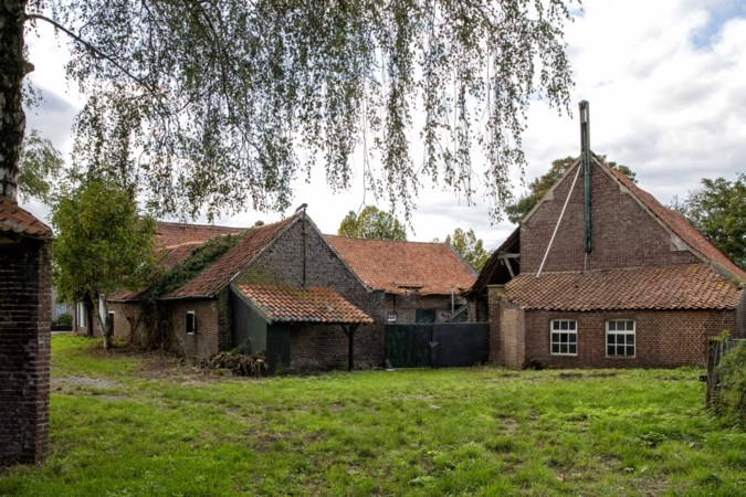 Drie plannen voor leegstaande Bruggerhof en oud gemeentehuis in Hunsel