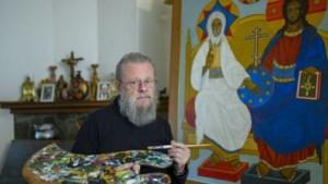 Een (on)orthodoxe hobby: Wil Dautzenberg (79) verbindt kunst en religie door het schilderen van iconen