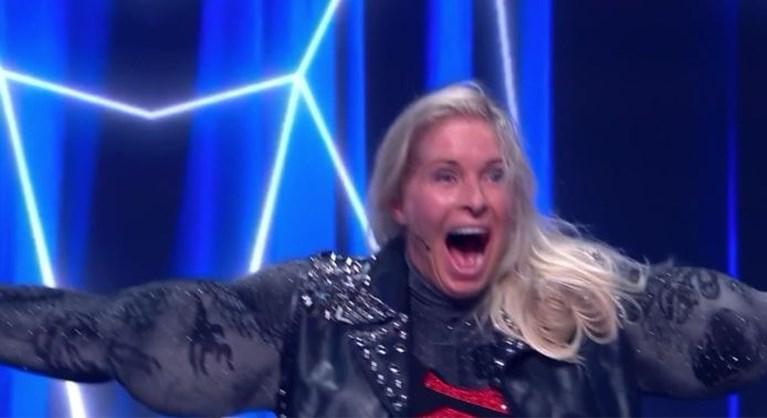 2,3 miljoen kijkers zien hoe Mariska in The Masked Singer Frans Bauer compleet verrast