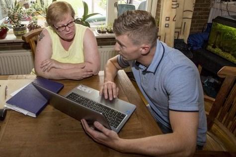Gezinnen die het niet breed hebben in Parkstad krijgen hulp om te kijken hoe ze jaarlijks honderden euro's kunnen besparen