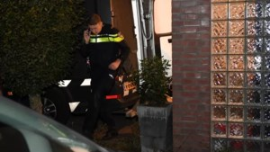 Ruim 300 kilo illegaal vuurwerk gevonden bij woning in Oeffelt: 'Garage vol bommen, écht levensgevaarlijk'