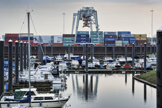 Ook de Venlose politiek wil de jachthaven het liefst naar Lomm verplaatsen: dat zorgt voor reuring in het dorp