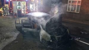 Auto in vlammen op in Thorn