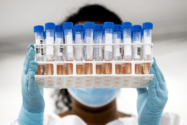 Nieuw dagrecord: bijna 8000 nieuwe coronagevallen gemeld