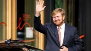 Koning Willem-Alexander breekt vakantie Griekenland af na ophef: 'Reacties zijn heftig, die raken ons'
