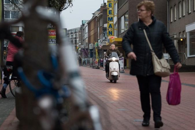 Na samenscholingsverbod wil VVD in Brunssum ook preventief fouilleren van jongeren invoeren