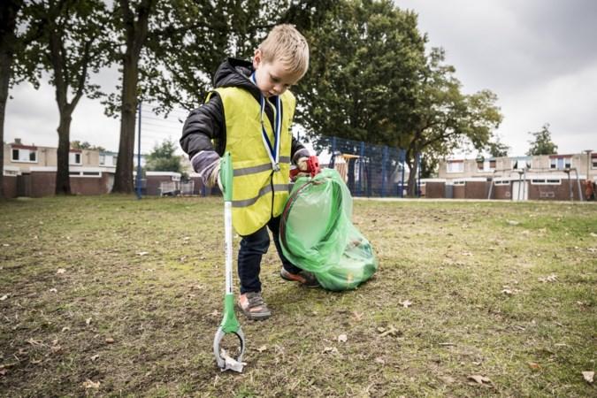 Onderscheiden wereldverbeteraar (5) uit Roermond wil vuilnisman worden