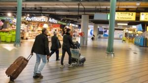 Reizigers laten Schiphol nog altijd links liggen: 80 procent minder passagiers