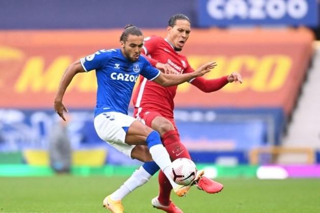 Van Dijk lijkt Ajax-uit te moeten missen door op het oog zware knieblessure