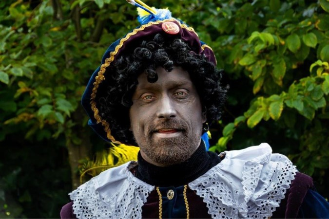 Kick Out Zwarte Piet pruimt de Grijze Piet van Venlo niet; alleen de roetveegpiet is acceptabel