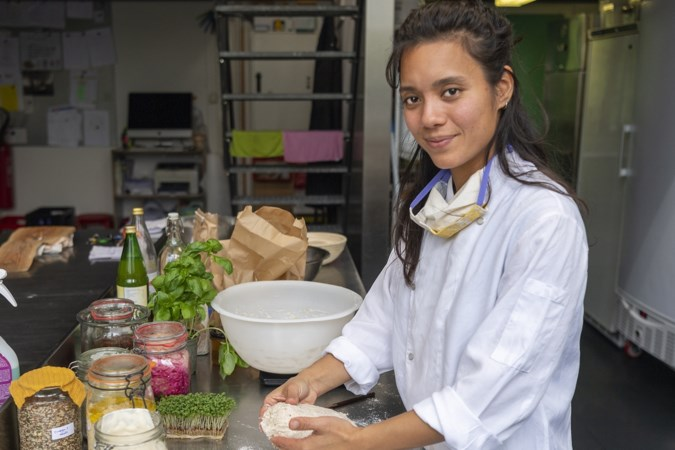 Slowfoodfan Asli uit Maastricht promoot fermentatie: 'Als je mijn zuurdesembrood hebt geproefd, wil je nooit meer fabrieksbrood'