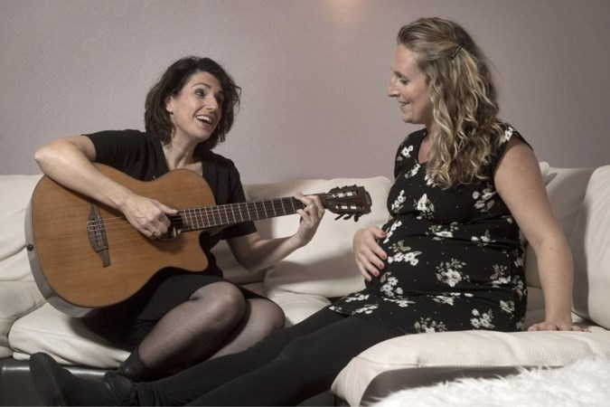 Iedereen kan van thuis uit deelnemen aan digitale koor van Ghislaine dat kerstnummer tegen eenzaamheid gaat zingen