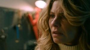 Recensie thrillerreeks 'Lieve Mama': ongeloofwaardigheden verpulveren serie niet