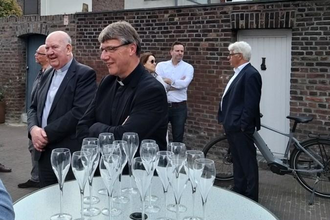 Nieuwe deken van Sittard gaat om kosten te besparen in pastorie 'samenwonen' met kersverse kapelaan