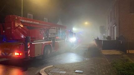 Uitslaande brand in loods met luchtkussens in Obbicht: meerdere gasflessen ontploft
