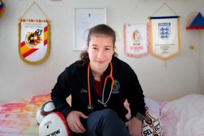 Sanne Schoenmakers: topspits bij Standard Luik, oud-buurmeisje van Perr Schuurs en in coronatijd werkzaam op de intensive care