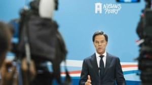 Rutte over mogelijk strengere maatregelen: 'Alle scenario's liggen op tafel'