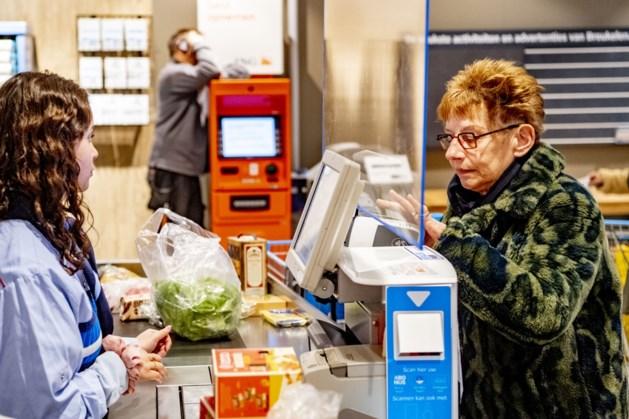 Ontevreden supermarktmedewerkers willen vijf procent meer salaris na de miljardenomzetten door corona