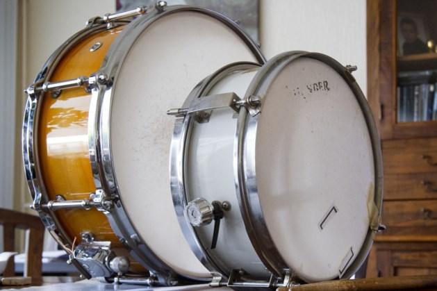 Fanfare geeft muziekles aan groep 4 en 5