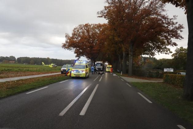 Motorrijder raakt gewond bij ongeluk, traumahelikopter geland