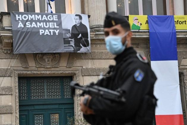 Kamer staat stil bij aanslag op Franse leraar Paty