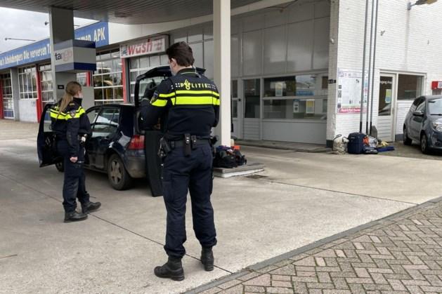 Auto in beslag genomen van man met openstaande boetes en zonder geldig rijbewijs