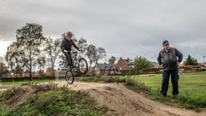 Brief 9-jarige Finn zorgt voor fietscrossbaan in Posterholt