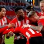 Zorgen om stijgend aantal besmettingen in voetbal: 'Zo min mogelijk oefeninterlands'