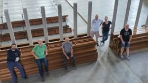 Overbodige kerkbanken uit Valkenburg krijgen in ruil voor twee flessen wodka tweede leven in Polen en Oekraïne