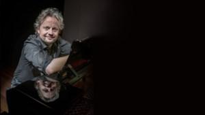 Pianist Rob Mennen gaat theater in met muzikale 'College Tour'