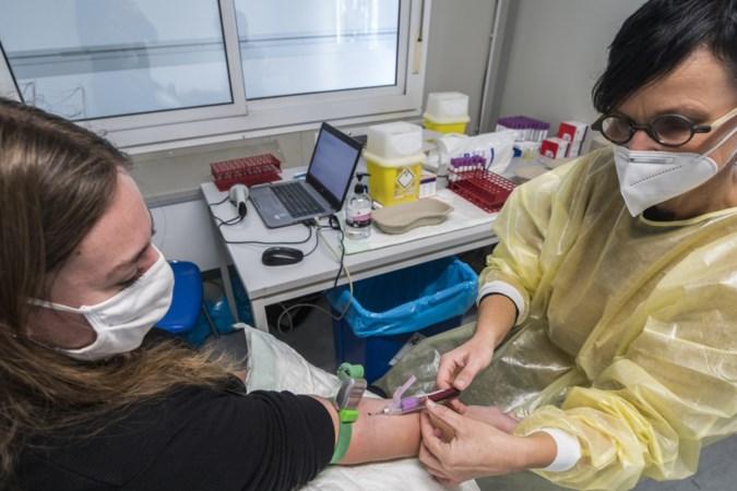 Een bloedtest op corona-antistoffen, allemaal voor de wetenschap