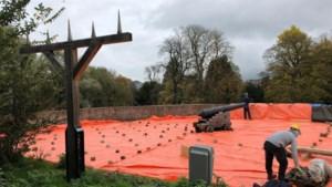 Rondeel De Vijf Koppen in Maastricht wordt 'ingepakt' om verdere vervormingen te voorkomen