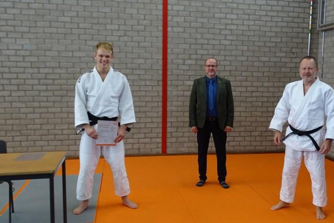 Het gaat snel met de Egchelse judoka Mark van Dijk: tweede dan én in nationale juniorenploeg