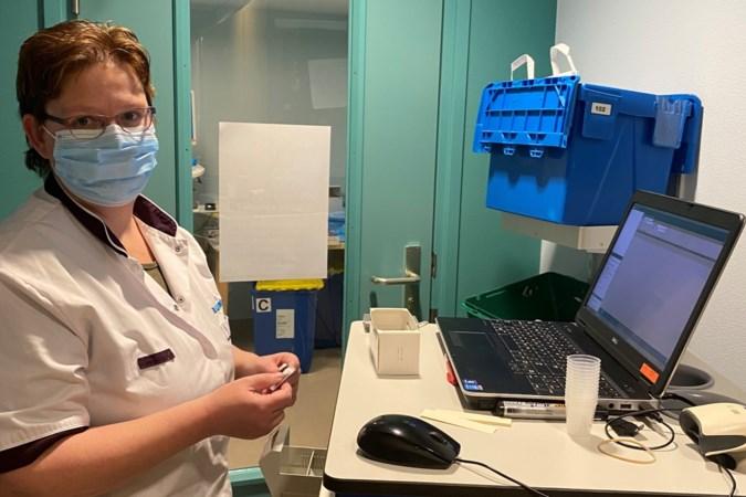 Dagboek uit de zorg: 'Vooral bij patiënten van buiten deze regio is het soms lastig medicijngebruik te verifiëren'