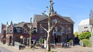 Burgemeester Venlo negeert horecasluiting en opent bar na raadsvergadering