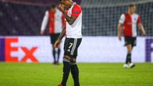 Alles gaat mis bij Feyenoord op mistroostige avond