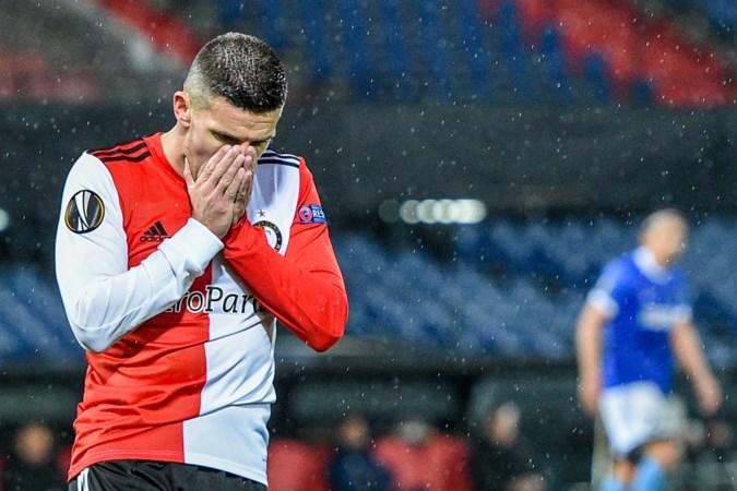 Alleen de arbiter was nog slechter dan Feyenoord in De Kuip
