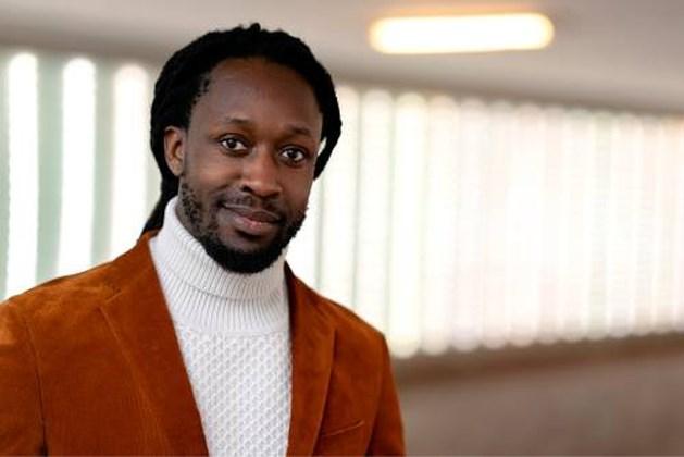Akwasi wil met Omroep Zwart eigen journaal gaan maken