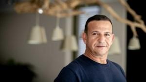Cabaretier Najib Amhali opent nieuwe publieksbalie van gemeente in Theater Heerlen