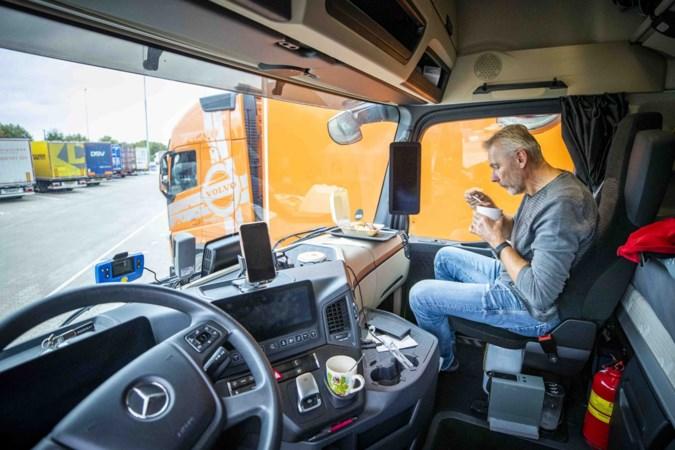 In coronatijd is voor trucker 'opa curry' soms nergens een wc: 'Toch hebben we een vitaal beroep'