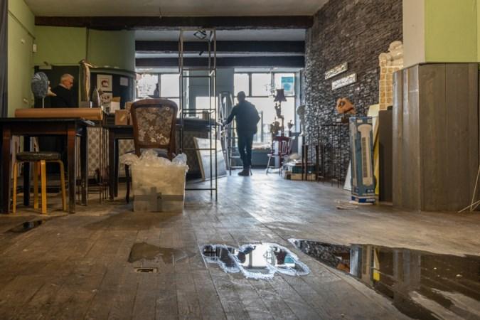 Kunstkring ontruimt in allerijl Atelier Kesselskade na gedeeltelijke instorting plafond