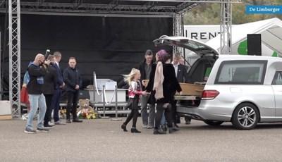Drive-in begrafenis op Megaland voor carnavalsgekke Kyan (12): 'Hij heeft geleefd voor iemand van tachtig'