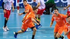 Broers Smits helpen handballers aan moeizame zege op Turkije