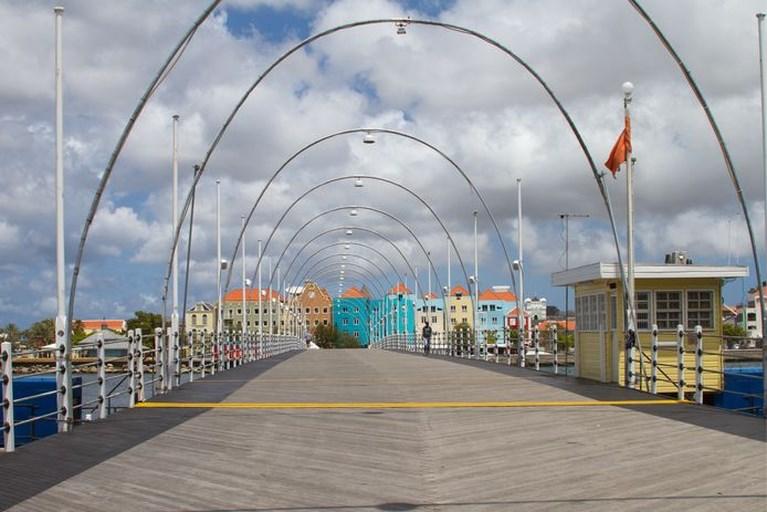Run op lastminute Curaçao na persconferentie Rutte