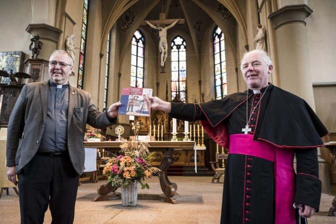 Lijdzaam zag pastoor Vankan uit Heythuysen 'zijn' Sinterklaas ten prooi vallen aan commercie