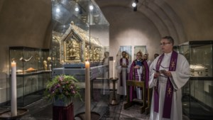 Extra missen in Sint Servaasbasiliek, Noodkist komt weer tevoorschijn voor coronagebed